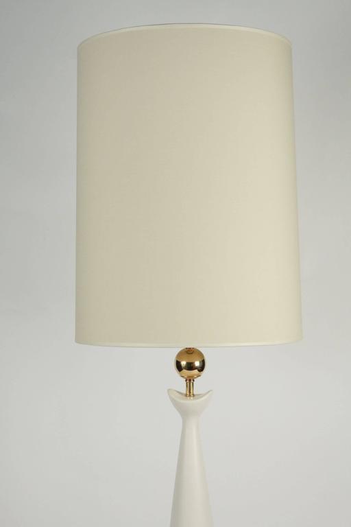 1950s Sculptural White Enameled Ceramic Lamp, Brass Ornaments, Gerald Thurston 5
