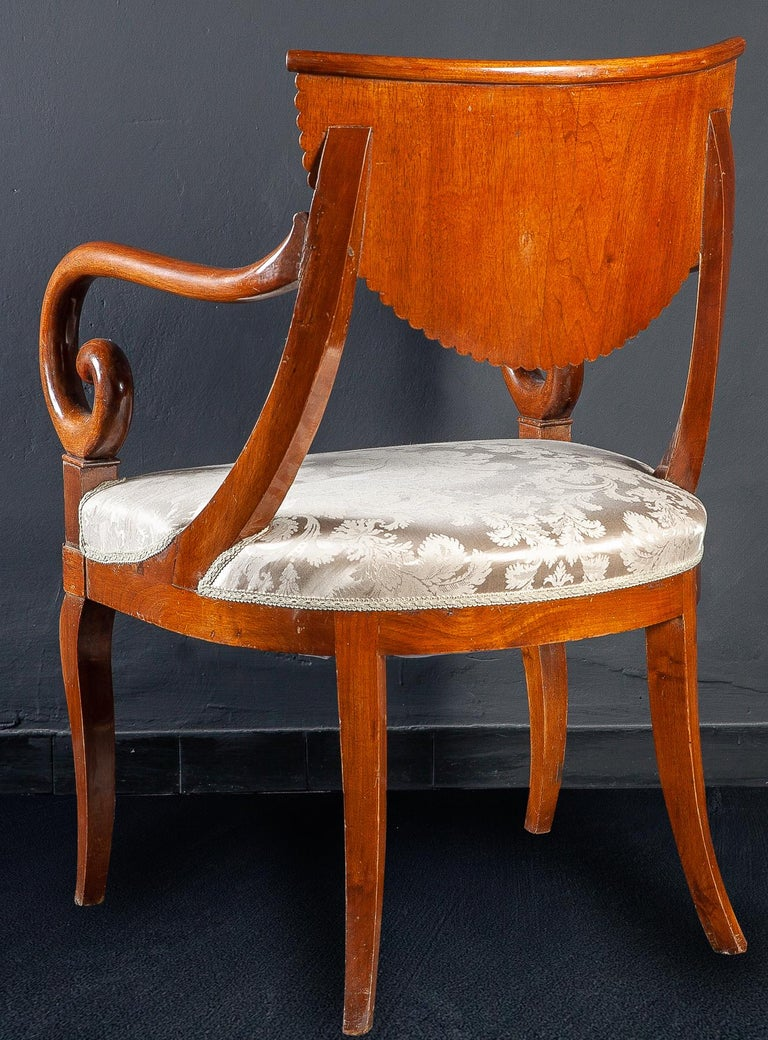 Set of Eight Italian Chairs and a Pair of Armchairs For Sale 9