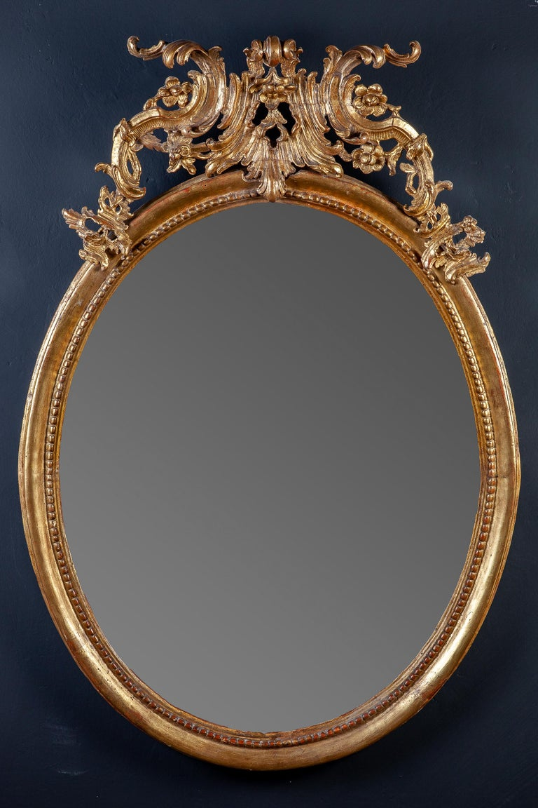 Louis XV 18th Century Italian Oval Shape Giltwood Mirror For Sale