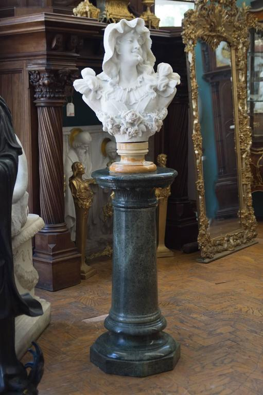 Antique Italian Carrara Marble Bust of a Young Lady For Sale 5