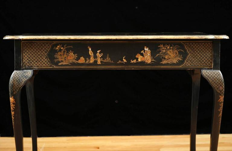 Ebonized 19th Century Black Lacquered Chinoiserie Tea Table with Painted Scenes For Sale