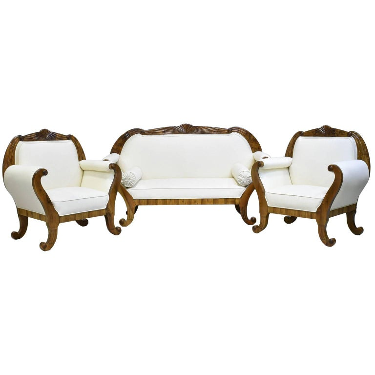 Upholstery South German Biedermeier Sofa in Walnut with Fan-Carved Crest, circa 1830 For Sale