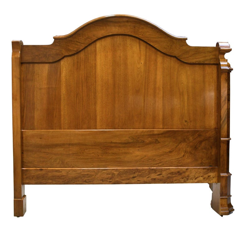 French Louis Philippe Daybed in Figured Walnut, circa 1835 For Sale 3