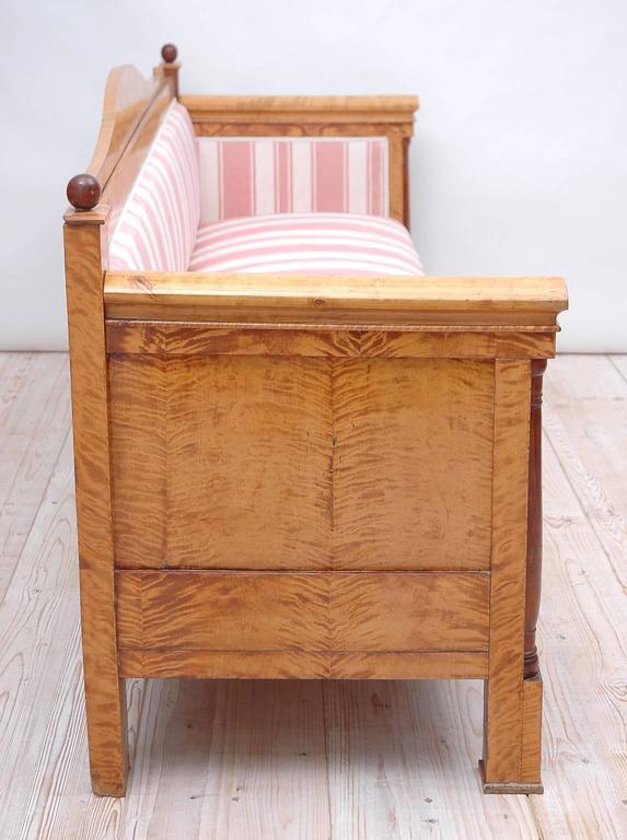 Scandinavian Biedermeier Sofa or Upholstered Bench in Birch, circa 1830 For Sale 1