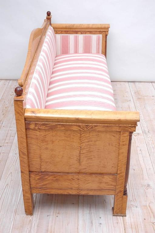 Scandinavian Biedermeier Sofa or Upholstered Bench in Birch, circa 1830 For Sale 2