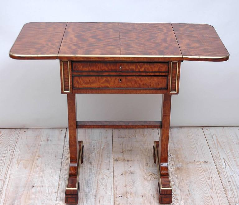 19th Century Small English Regency Pembroke Work Table in Highly Figured Plum Mahogany  For Sale