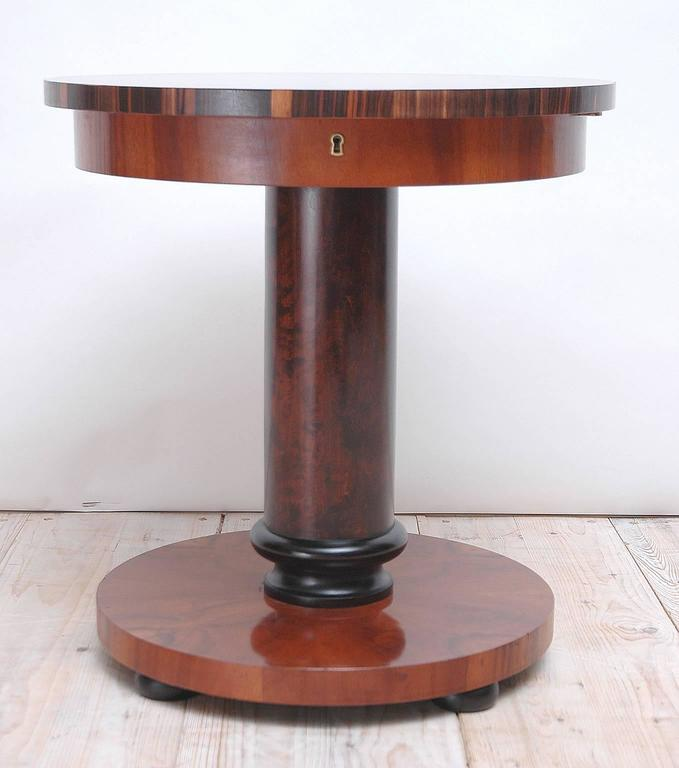 Elegant Round Art Deco End Table In Massacre Ebony And Mahogany 2