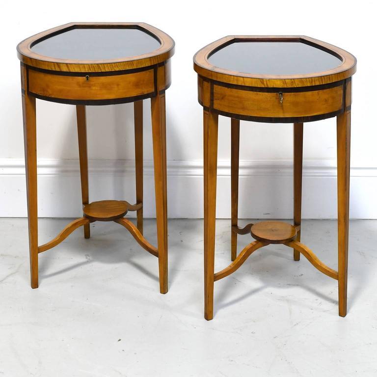 Pair of Edwardian Satinwood, Parcel-Ebonized Curio Tables, circa 1900 For Sale 1