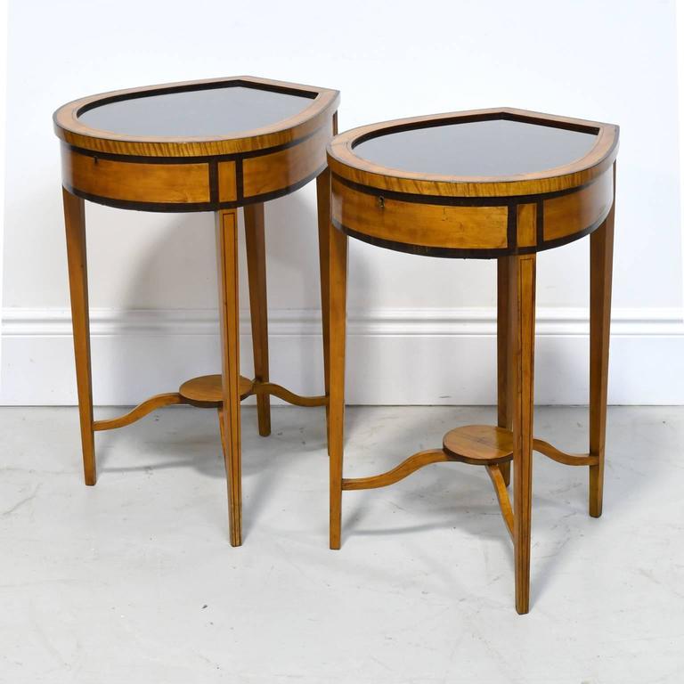Pair of Edwardian Satinwood, Parcel-Ebonized Curio Tables, circa 1900 For Sale 2