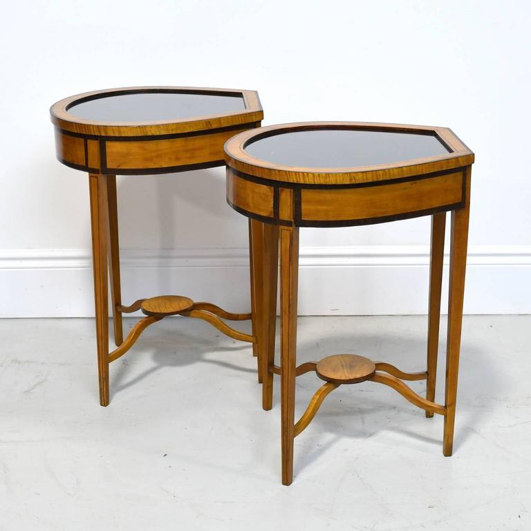 Pair of Edwardian Satinwood, Parcel-Ebonized Curio Tables, circa 1900 For Sale 3