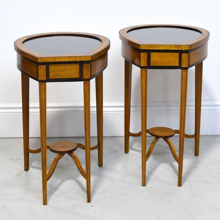 Pair of Edwardian Satinwood, Parcel-Ebonized Curio Tables, circa 1900 For Sale 5