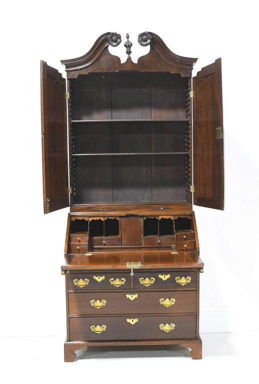 18th Century English George III Slant Front Secretary with Bookcase in Mahogany For Sale 3