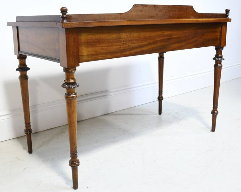 Mid-19th Century 19th Century Christian VIII Scandinavian Writing Desk in Mahogany with Marquetry For Sale