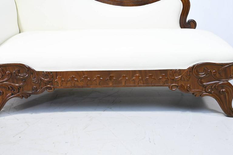 19th Century Empire Meridienne or Recamier in Carved Mahogany with Upholstery For Sale 1