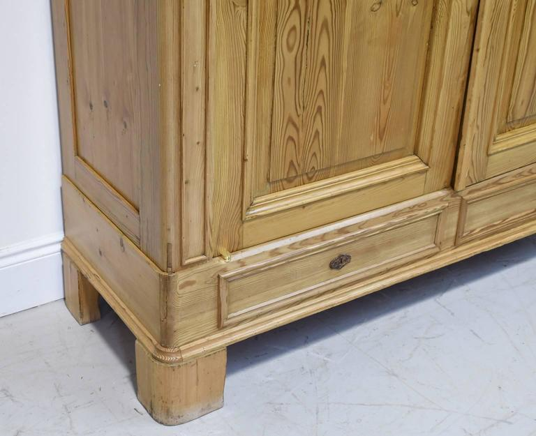 Large 19th Century Biedermeier Armoire in Pine For Sale 4