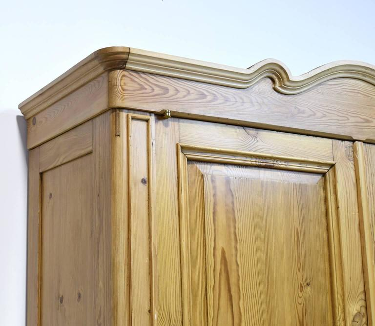 Large 19th Century Biedermeier Armoire in Pine For Sale 3