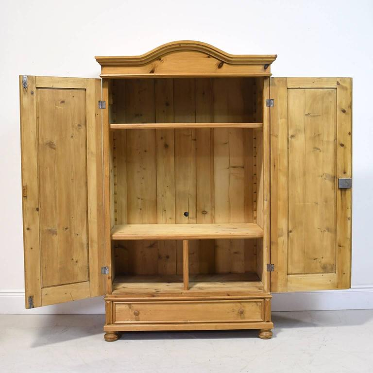 19th century austrian armoire in pine for sale at 1stdibs. Black Bedroom Furniture Sets. Home Design Ideas