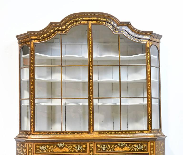 Early 19th Century Dutch Vitrine/Glass Display Cabinet with Marquetry, c. 1800 For Sale 3