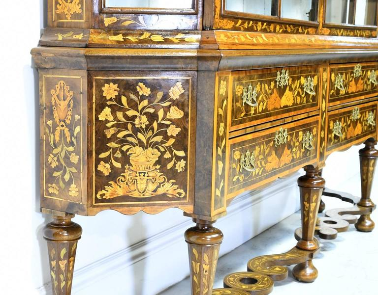 Early 19th Century Dutch Vitrine/Glass Display Cabinet with Marquetry, c. 1800 9