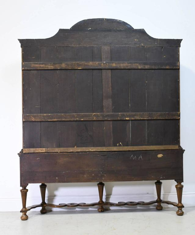 Early 19th Century Dutch Vitrine/Glass Display Cabinet with Marquetry, c. 1800 10