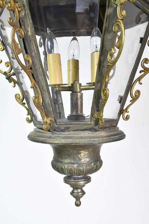 Cast Pair of Late 19th Century Baroque-Style Venetian Gondola Lanterns For Sale