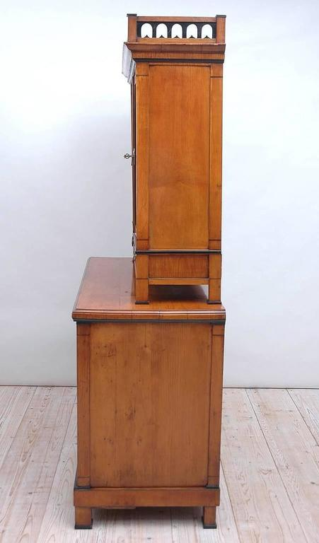 Austrian Biedermeier Cupboard/Bar Cabinet in Cherry with Vitrine, circa 1820 For Sale 3