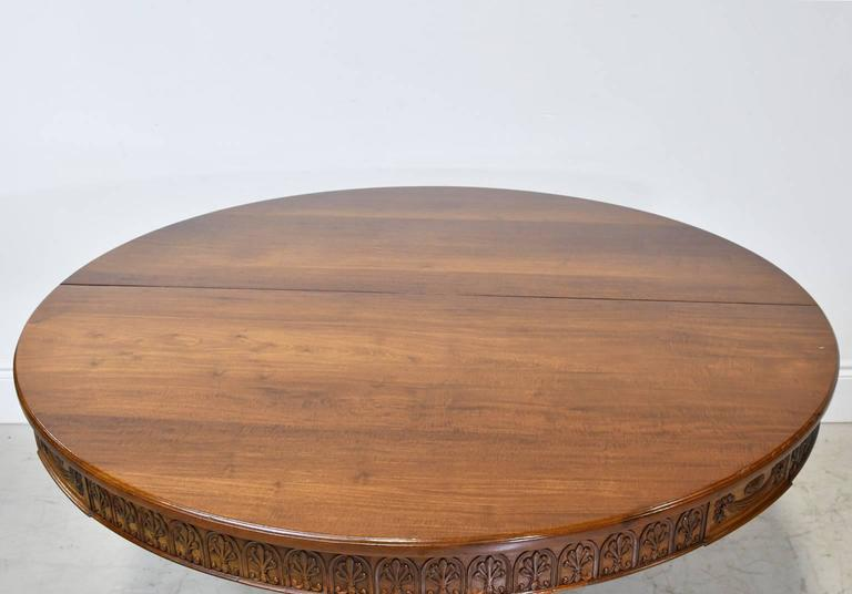 52 round extension dining table on pedestal base in for Round table 52 nordenham