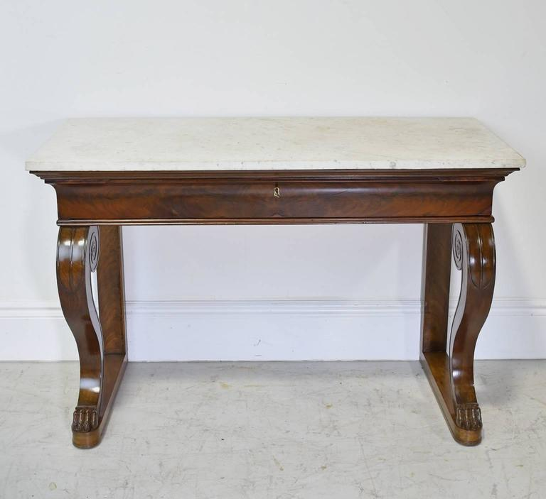 Hand-Carved French Empire Console Table in Mahogany w/ White Carrara Marble Top, circa 1800 For Sale