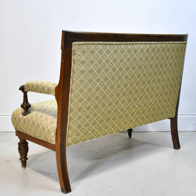 Hand-Carved 19th Century Danish Canapé in Walnut with Upholstery For Sale