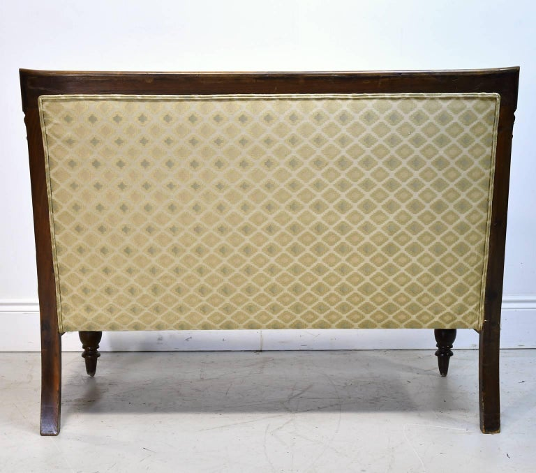19th Century Danish Canapé in Walnut with Upholstery In Good Condition For Sale In Miami, FL