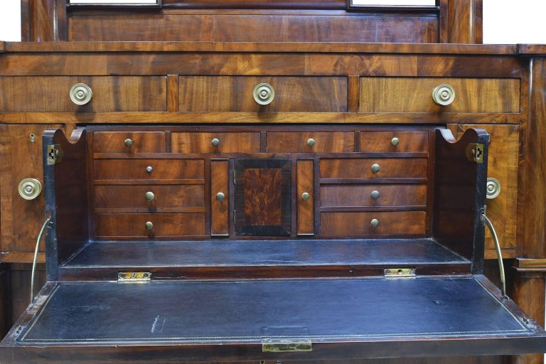 American Empire Rhode Island Empire Butler's Chest of Drawers with Desk in Mahogany, circa 1825 For Sale