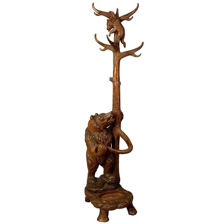 Carved Wood Bear Hallstand, Swiss Brienz, circa 1900