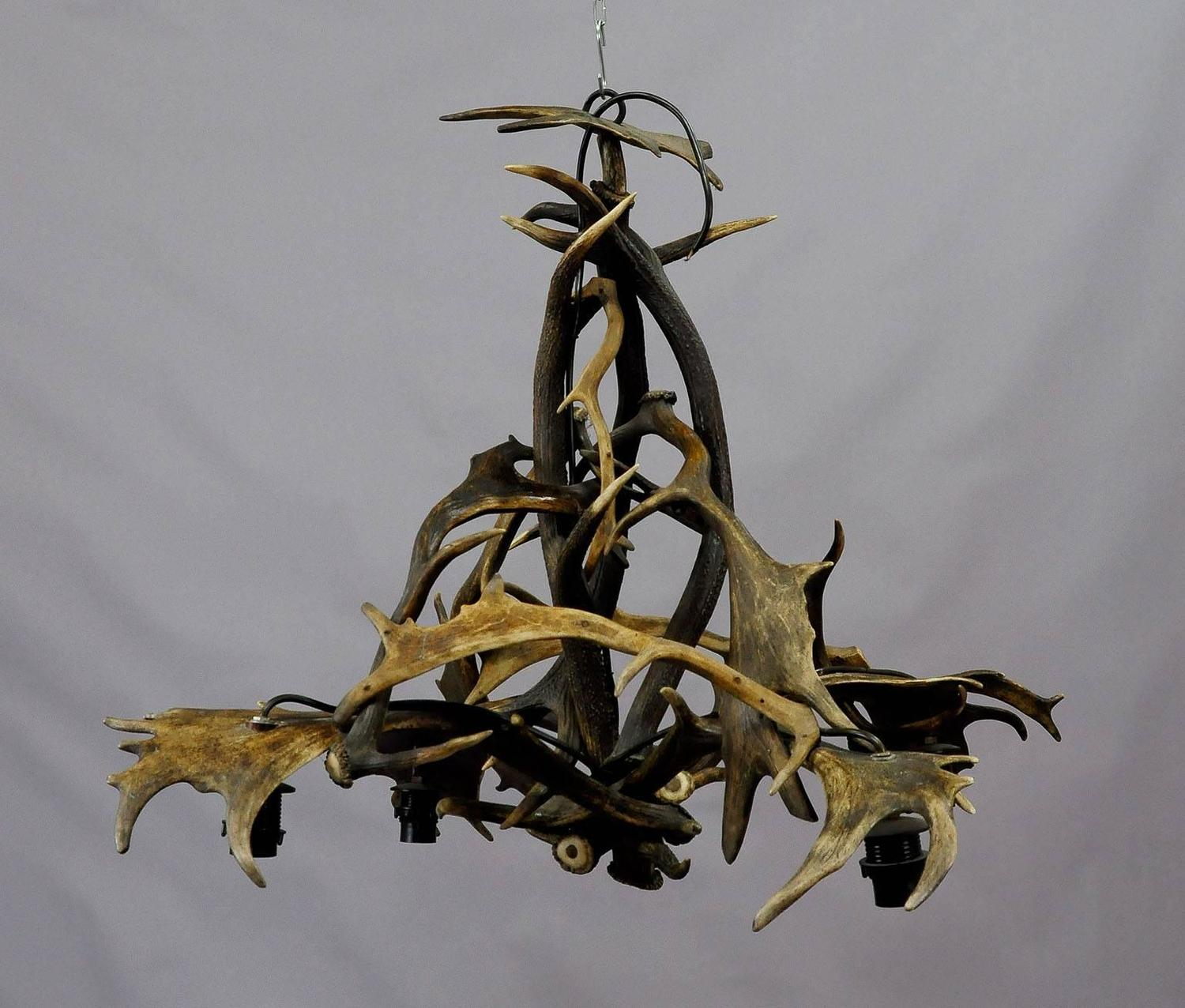 Elaborate log cabin antler chandelier for sale at 1stdibs for Log cabin chandeliers