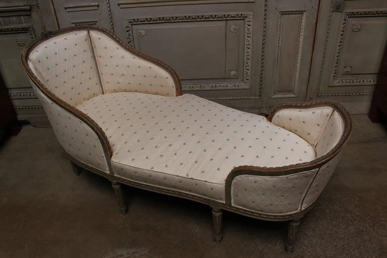 french louis xvi style petit chaise longue with a painted. Black Bedroom Furniture Sets. Home Design Ideas
