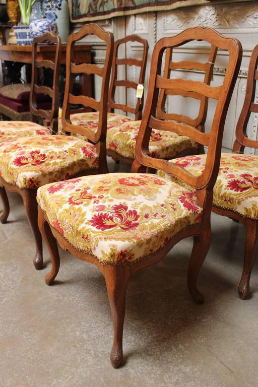 Set of Six Swiss Walnut Dining Chairs In Good Condition For Sale In Dallas, TX