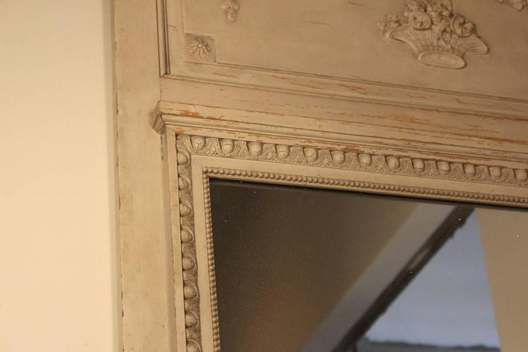 French Louis XVI Style Trumeau Mirror with a Painted Finish For Sale 3