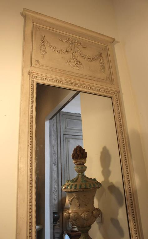 French Louis XVI Style Trumeau Mirror with a Painted Finish For Sale 4