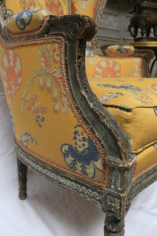 Beautifully Carved, Large Louis XVI Style Bergère with Painted Finish In Good Condition For Sale In Dallas, TX