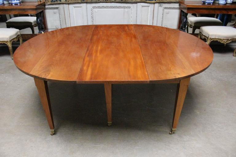 French Louis XVI Mahogany Extension Dining Table For Sale 1