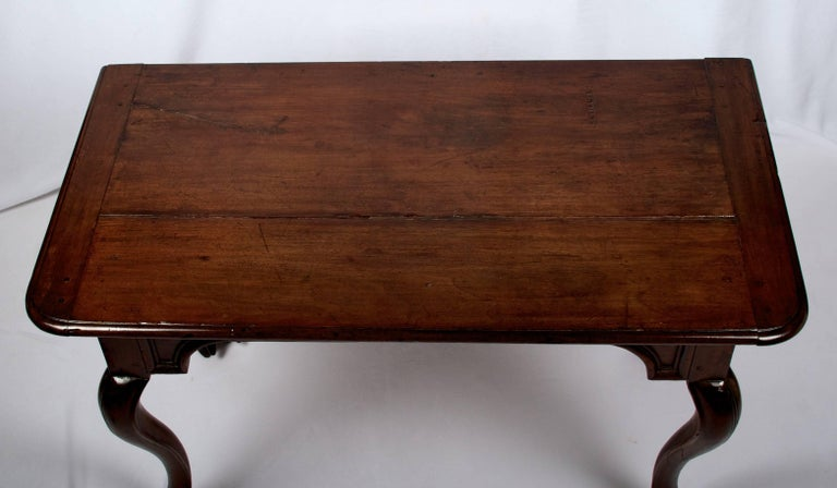 Hand-Carved Early 18th Century Regence Period Side Table with One Drawer For Sale