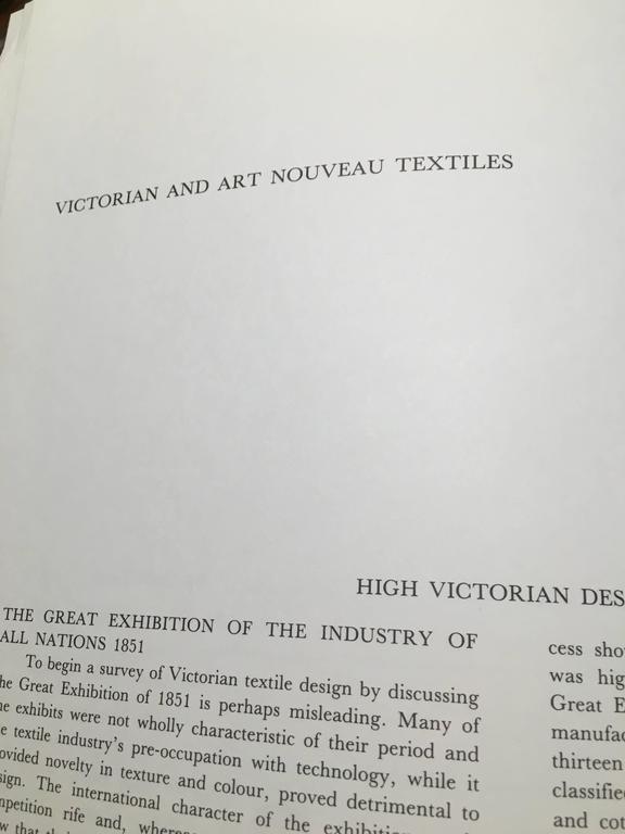 Set of Three Folio Books on Textile Design, 1980 For Sale 5
