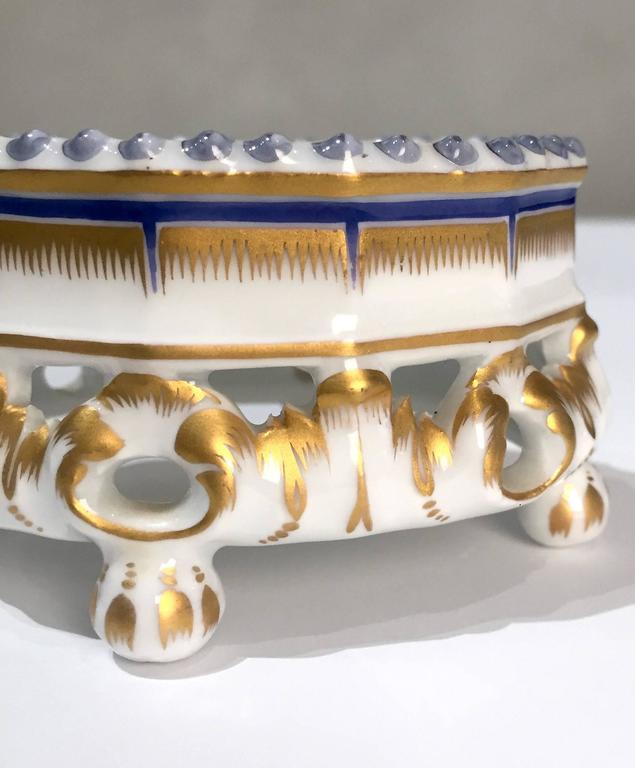 19th Century Nymphenburg Master Salt Cellars, Pair In Good Condition For Sale In San Francisco, CA