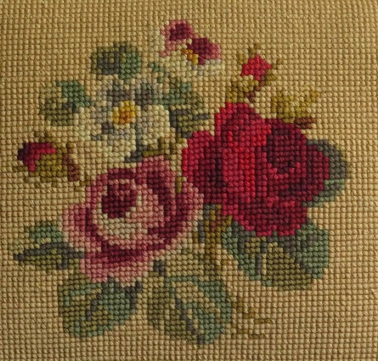 English Late 19th Century Pillow or Cushion Needlepoint tapestry Art-Nouveau Design For Sale