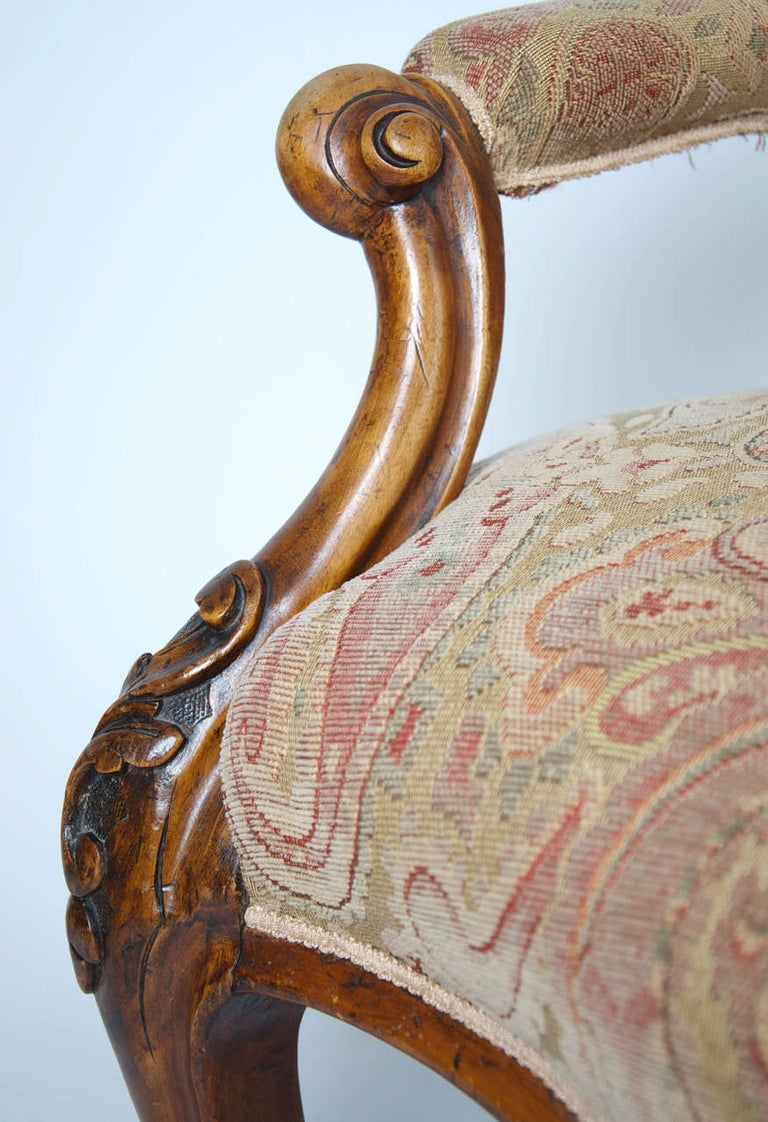 Hand-Carved Mid-19th Century Spoonback Open Armchair Walnut, English, circa 1850 For Sale