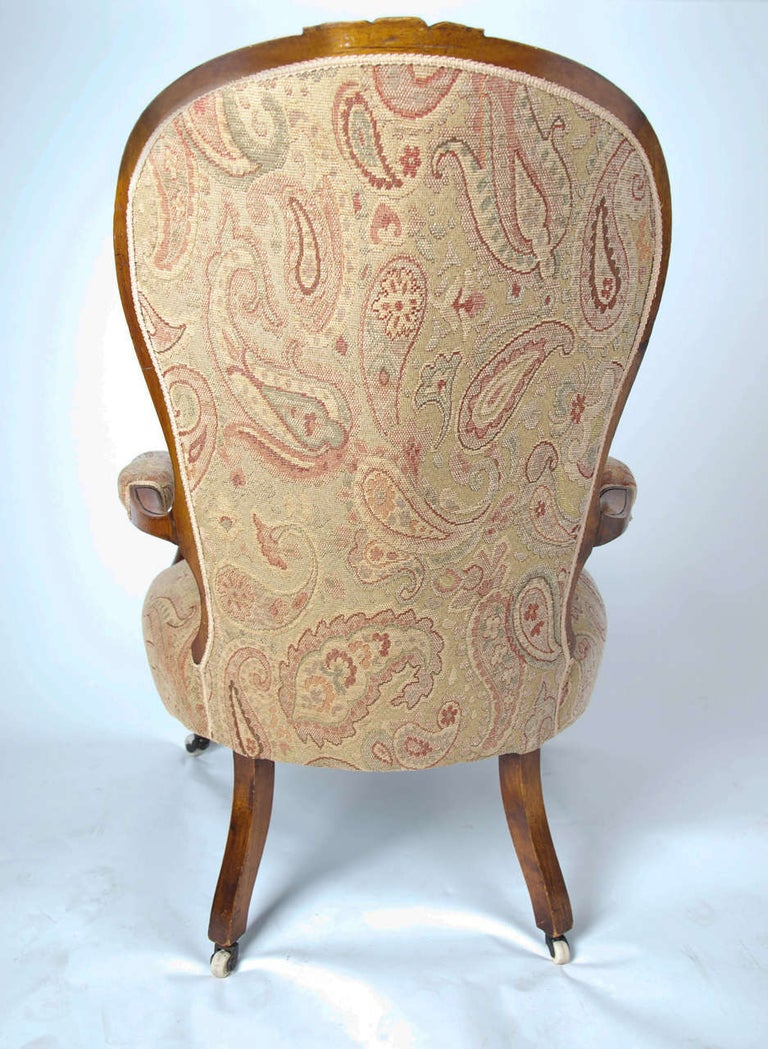 Mid-19th Century Spoonback Open Armchair Walnut, English, circa 1850 For Sale 4