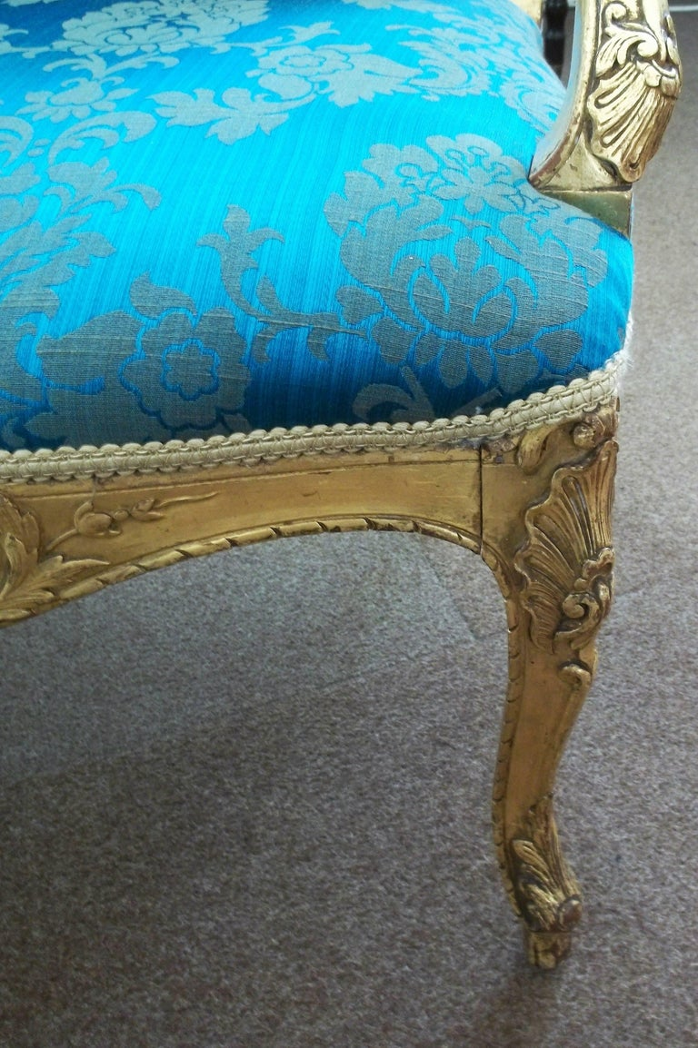 Mid-19th Century Settee or Sofa Louis XV Style Giltwood, English, circa 1850 For Sale 3