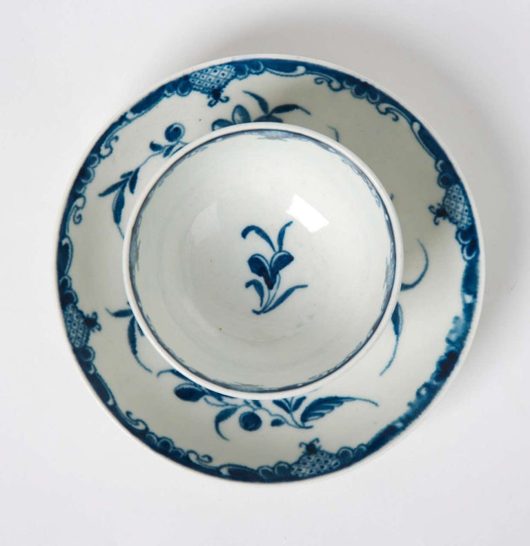 Hand-Painted First Period Worcester Porcelain Tea Bowl and Saucer Mansfield Pattern For Sale