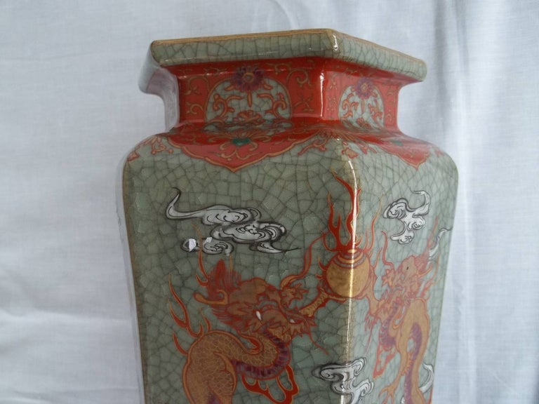 Large Pair of Chinese Vases porcelain hand painted dragons, Qing circa 1900 In Good Condition For Sale In Lincoln, Lincolnshire