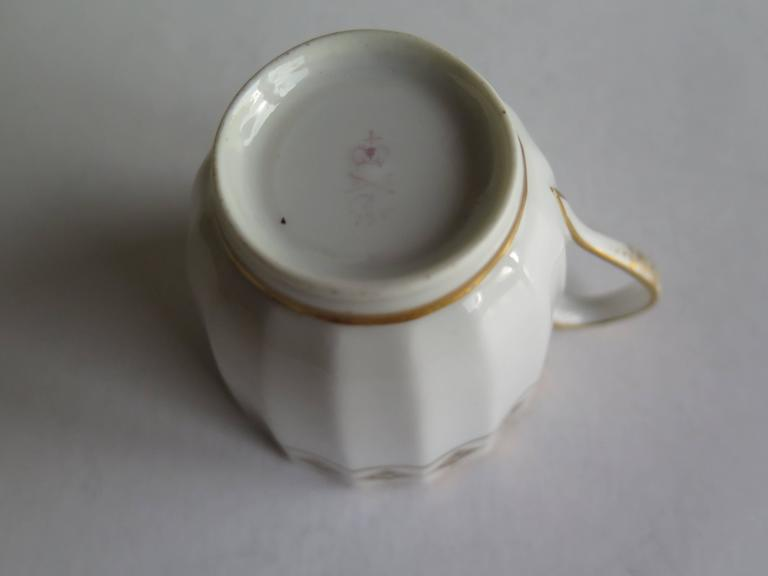 Very Early Derby Porcelain Coffee Cup Pattern 135 Puce Crown and Batons, Ca 1790 For Sale 2