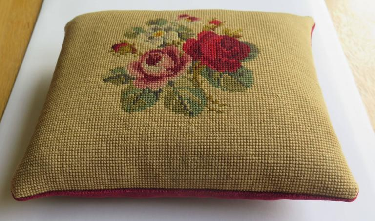 Late 19th Century Pillow or Cushion Needlepoint tapestry Art-Nouveau Design In Good Condition For Sale In Lincoln, Lincolnshire